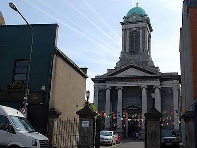 Признание ирландского священника в том, что он гей, вызвало бурные овации