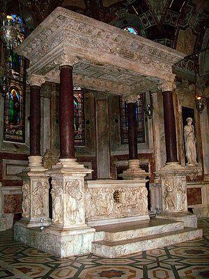 Генуя. Престол с мощами св.Иоанна Крестителя в кафедральном соборе Сан Лоренцо