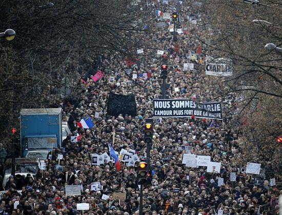 Манифестации солидарности во Франции