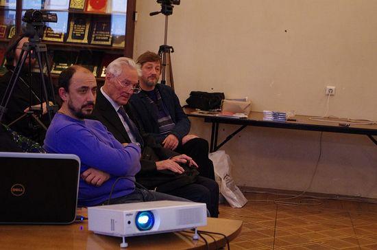 Заслуженный деятель наук К.М. Долгов (второй слева), режиссер А.О.Куприн (третий слева)