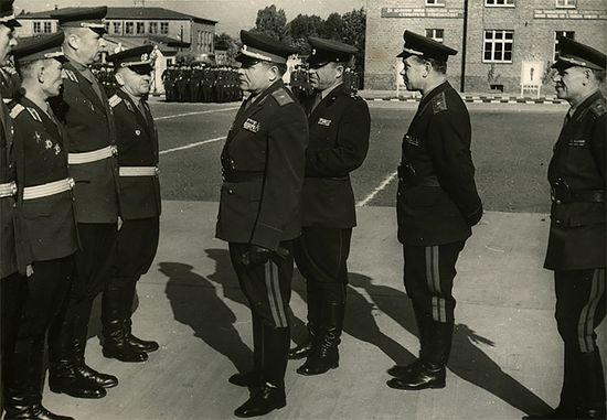 Генерал-майор Лихачев – командующий 2-й гвардейской танковой армии в Германии. 1964 г.