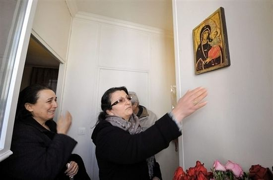 An Icon of the Mother of God is streaming myrrh in a Turkish