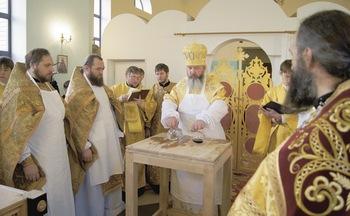 Освящение храма во имя святителя Иоанна Тобольского в поселке Березняки Нижнеилимского района, осень 2014 г.