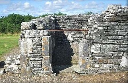 St. Senan's 'Bed', Scattery Island