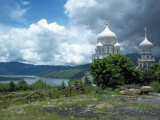 Манастир Свете Тројице у Гватемали