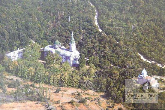 10. Храм Святителей Московских (Аристоклиева церковь)