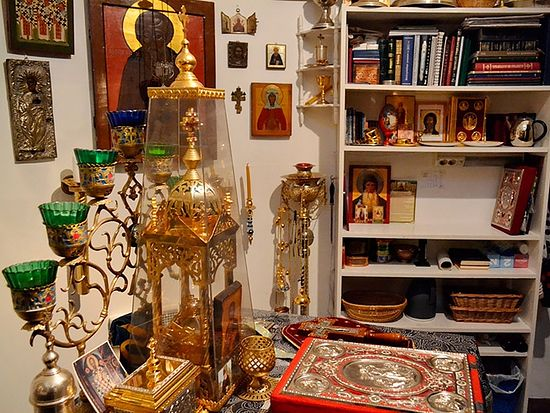 Крошечный алтарь храма преподобного Сергия