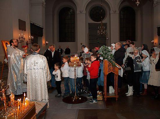 Рождество-2015. Богослужение проводится в арендованной протестантской церкви. Фото из архива протоиерея Виталия Бабушина