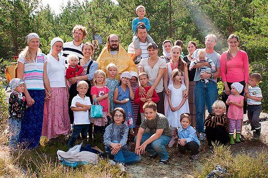 Участники молодежного семейного лагеря Сергиевского прихода. Фото из архива протоиерея Виталия Бабушина