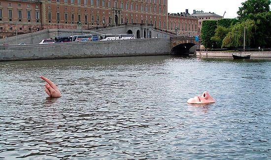 Современное искусство в центре Стокгольма. Фото: http://www.panoramio.com/photo/6008325