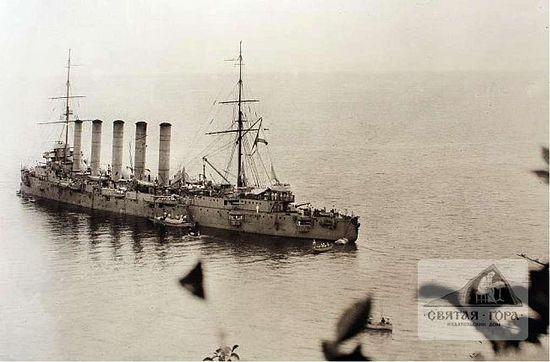 67. Русский крейсер у берегов Афона (1915?).