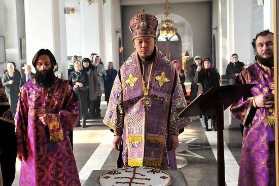 Владыка Кызыльский и Тувинский Феофан (Ким), первый православный епископ-кореец