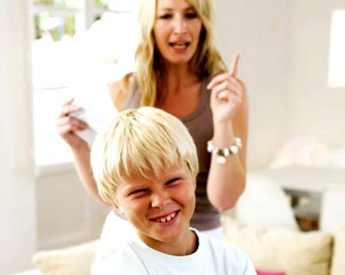 Смотреть видео родители наказывают дочь за плохое поведение