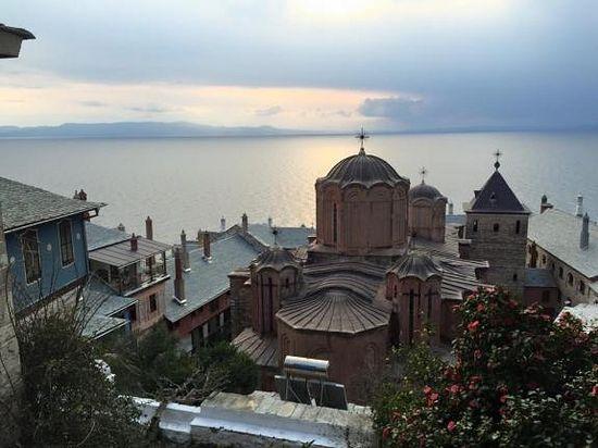 Монастырь Дохиар на горе Афон. Фото: протод. Александра Плиски