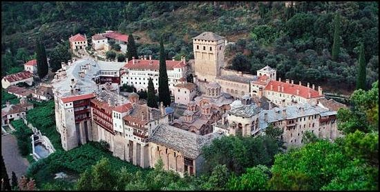 Хиландарский монастырь в честь Введения во храм Пресвятой Богородицы — сербская обитель на Афоне