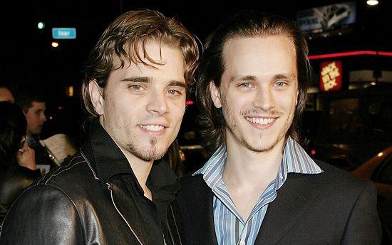 Джонатан с братом