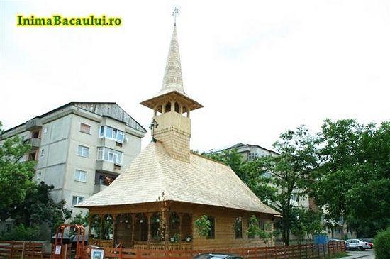 Построенный батюшкой храм