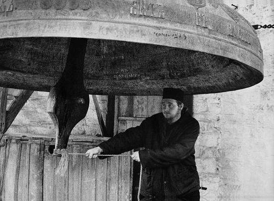 95. Звонарь Россикона. Фото: Петр Трапезников (1854?)