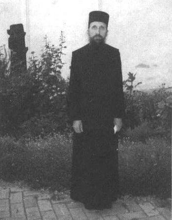 112. Иеромонах Макарий (Макиенко) до приезда на Афон. Любительское фото 80-х годов.