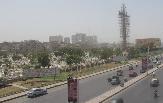 Строительство креста в Карачи