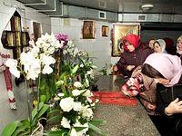 Почему к еще не прославленной во святых блаженной Алипии не прекращается поток паломников?