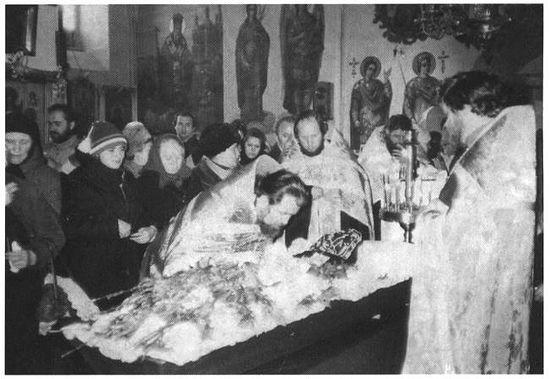 Отпевание монахини Алипии во Флоровском монастыре, 2 ноября 1988г.