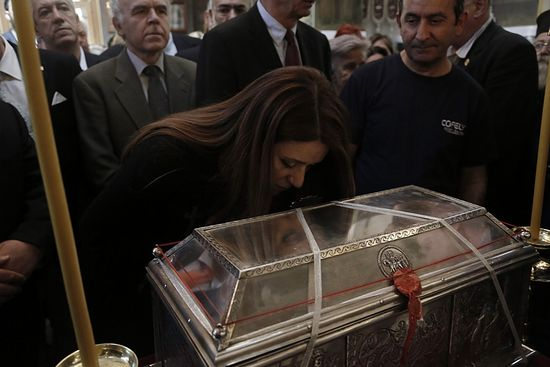 Bringing of St. Barbara's relics: photo by lifo.gr.