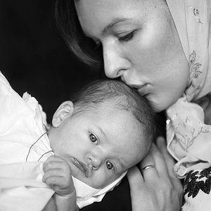 Мила Йовович с дочерью Дарьей после крестин