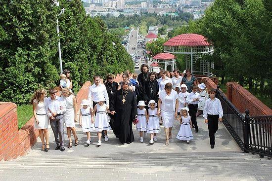 """Белгород. Породица Осјак одлази да прими награду """"Родитељски рекорд"""". 2012. г."""