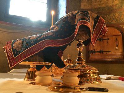 Божественная литургия в Сретенском монастыре в Неделю 2-ю по Пятидесятнице, Всех святых в земле Российской просиявших