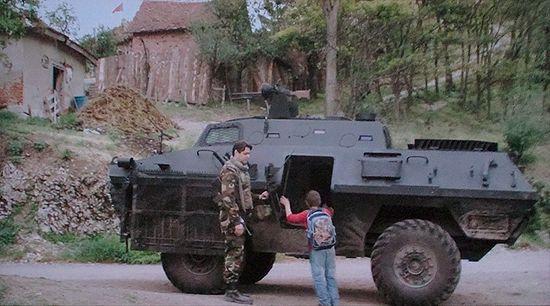 Кадр из фильма «Анклав»