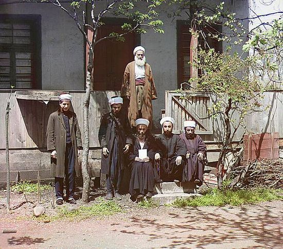 Mullahs at a mosque in Aziziya Batum - between 1909-1915