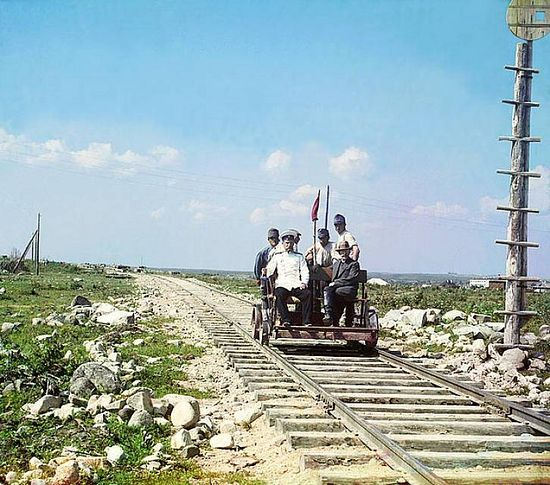Handcar outside Petrozavodsk on the Murmansk Railway - between 1909-1915