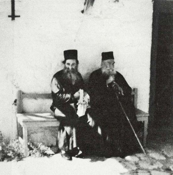 Отцы Великой Лавры и земляки старец Ефрем (слева) и старец Аввакум