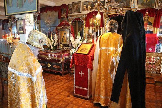 Богородице -Рождественский храм. Тут служил святой старец Севастиан Карагандинский, и благодаря матушке за полвека тут ничего не изменилось.