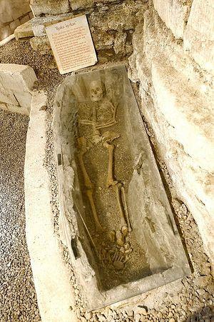 Останки предположительно русского священника, жившего 900 лет назад