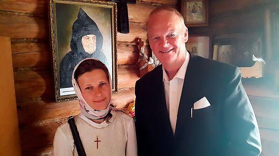 Ричард Хайнс и журналистка Мария Мономенова