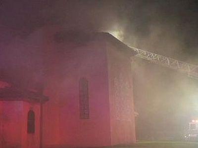 Лонг-Айленд: в пострадавшем от сильного пожара храме святителя Николая чудом уцелела его икона