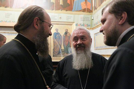 Владыка Антоний с Румынским иерархом. Фото: Павел Багмут