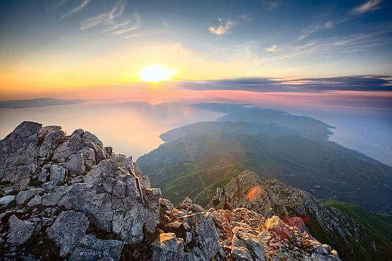 Вид на афонский полуостров с вершины Святой Горы