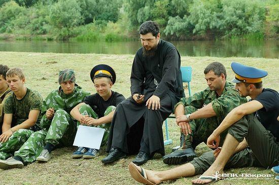 Беседа епископа Антония с молодыми казаками