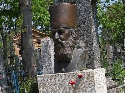 В Кишиневе осквернили могилу о. Михаила Чакира, выдающегося просветителя