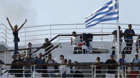 2,5 тысячи мигрантов с островов привезли в Афины