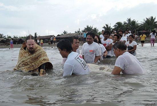 Крещение филиппинцев