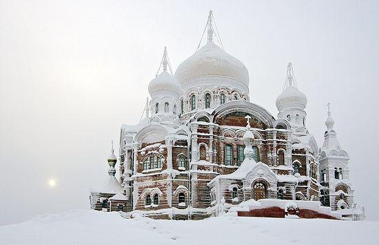 Основанный отцом Варлаамом Белогорский Никольский монастырь, Пермский край. Фото: Петр Захаров