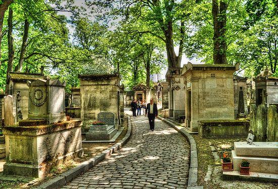 Знаменитое кладбище Пер-Лашез в Париже