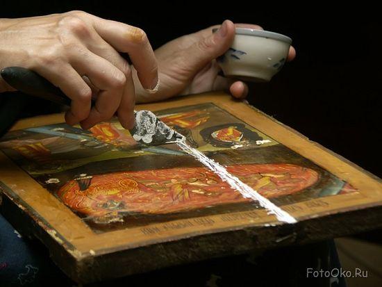 Реставрация иконы. Фото: fotooko.ru