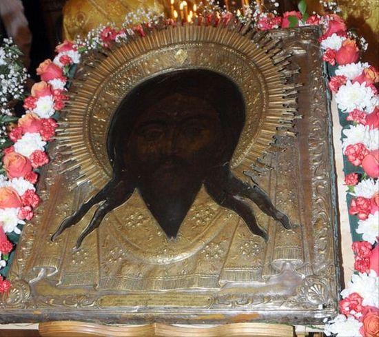 Древний образ вернулся в святую обитель в 2011 году