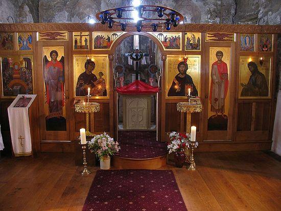 Holy Fathers Orthodox Church, Shrewsbury U.K. – a parish church lit without electricity.