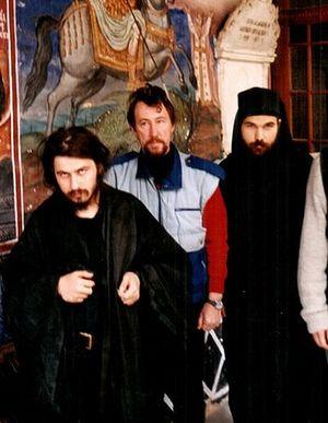 Будущий схимонах Антоний - слева